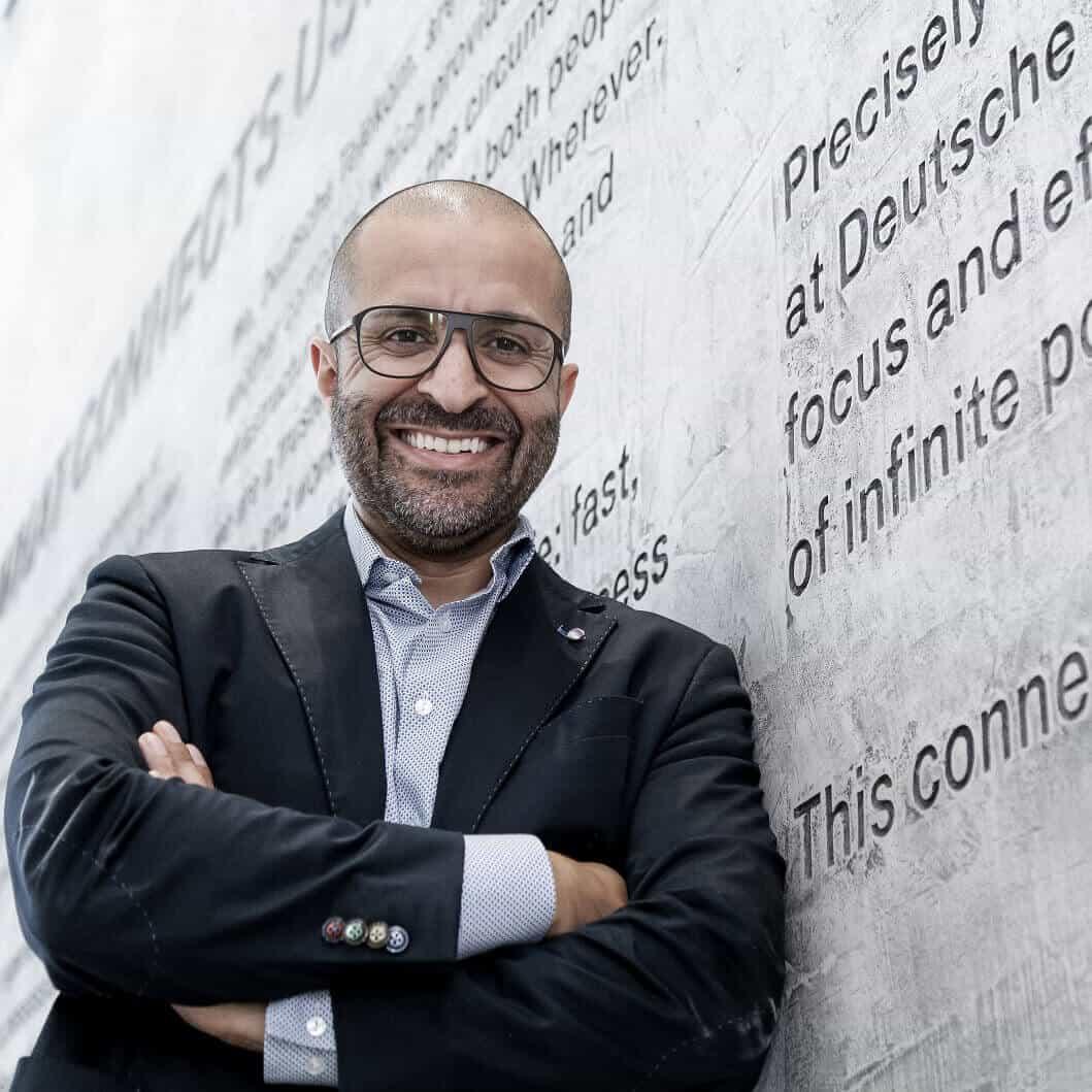 Dr. Reza Moussavian