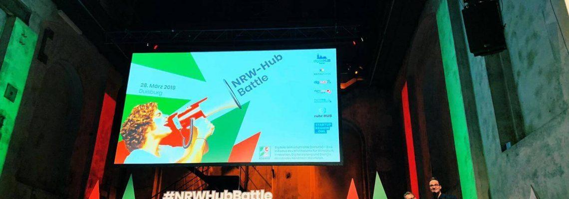 NRW Hub-Battle mit Moderatoren und Jury auf der Bühne in Duisburg